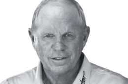 Butch Harmon: Chipping